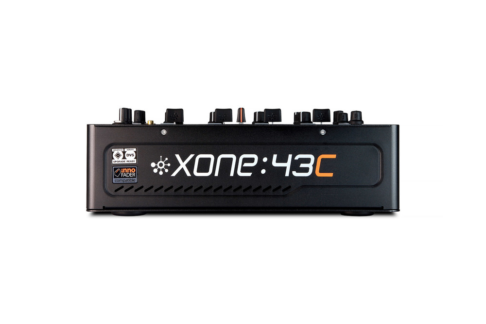 Xone43c front web